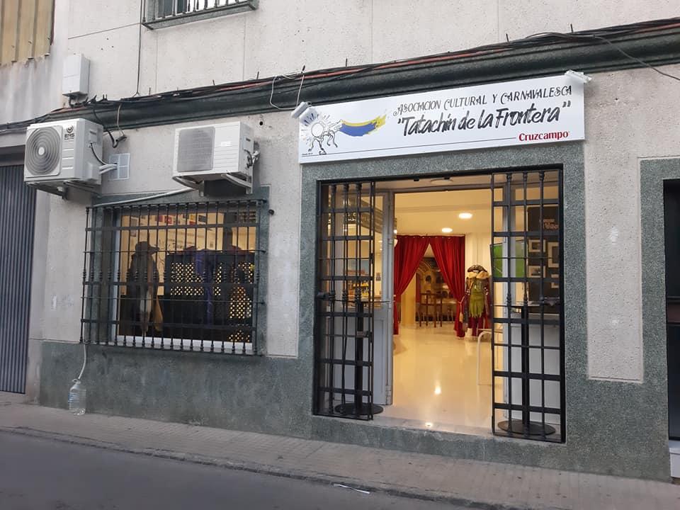 Tatachin Exterior